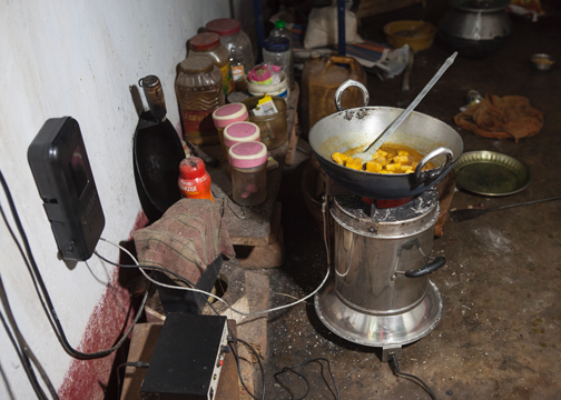 Researchers help rural women in India improve health and slow global warming through clean cookstove use