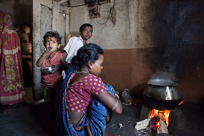 How Sensors and Mobile Payments Are Getting Indian Women to Use Cleaner Cookstoves