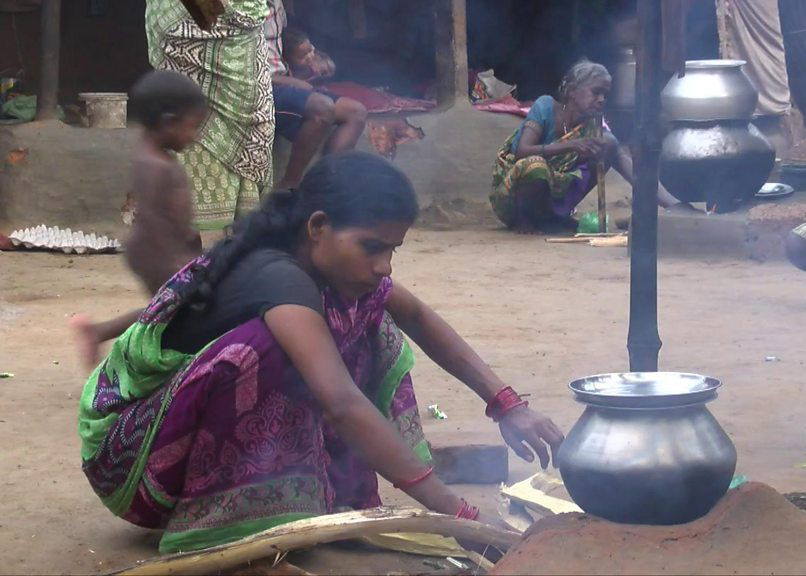India: How traditional cookery is changing to fight pollution